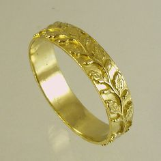 Would be pretty in white gold or silver gold+ringRecycled+gold+Wedding+Band+Woman+Wedding+Band.+by+Avinoo,+$180.00