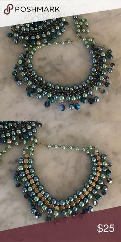 Vintage Costume Necklace and Bracelet Set Gorgeous vintage costume jewelry set. Jewelry Necklaces