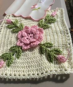 """Flower dream in pink and cream pattern: Granny Square """"Lilja"""" (october . : Flower dream in pink and cream Pattern: Granny Square """"Lilja"""" (October Edge border: let& see Size: 10 x 16 square … Motifs Granny Square, Crochet Motifs, Granny Square Crochet Pattern, Crochet Blocks, Crochet Squares, Crochet Stitches, Crochet Patterns, Granny Squares, Love Crochet"""