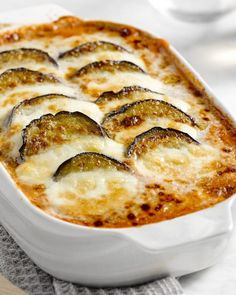 Aubergine in de oven. Tapas, I Love Food, Good Food, Yummy Food, Vegetarian Recipes, Cooking Recipes, Healthy Recipes, Quick Healthy Meals, Happy Foods