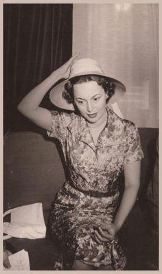 Olivia De HAVILLAND '30-40-50 (1er Juillet 1916) (soeur de Joan FONTAINE)