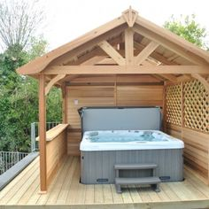 Great Tips For Landscaping Around A Hot Tub – Pool Landscape Ideas Hot Tub Pergola, Hot Tub Backyard, Hot Tub Garden, Backyard Gazebo, Cedar Pergola, Jacuzzi Covers, Hot Tub Privacy, Hot Tub Time Machine, Tub Enclosures