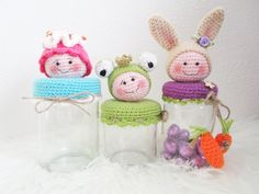 Afbeeldingsresultaat voor potes decorados com croche amigurumi Crochet Cup Cozy, Crochet Home, Crochet Gifts, Cute Crochet, Crochet Baby, Crochet Coin Purse, Crochet Potholders, Crochet Tools, Crochet Projects