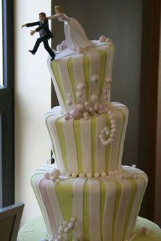 Huye el novio torta de casamiento original y graciosa
