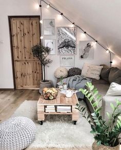 Room decor - 71 pallet coffee table & other projects 2019 00086 Furniture Classic Cute Room Decor, Living Room Decor Ideas Vintage, Bohemian Room Decor, Den Decor, Entryway Decor, Aesthetic Bedroom, Aesthetic Outfit, Cozy Room, Small Spaces