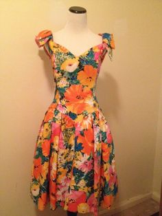 Perfect Floral Party Dress by Victor Costa Size 10  #VictorCosta