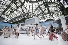 Le défilé Chanel printemps-été 2016