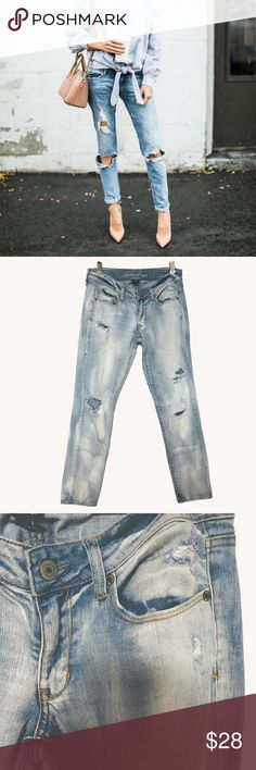 """Skinny Ripped Jeans The ultimate """"cool girl"""" fit made for every day. High level stretch holds its shape & won't bag out so you always look and feel great The beauty is in the breakdown: Destruction at knees. 15 inches across the waist. 32 inch inseam. American Eagle Outfitters Jeans Skinny"""