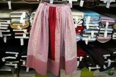 Caseras Regional, Valencia, Skirts, Ideas, Fashion, Gingham Quilt, The World, Traditional Dresses, Outfits