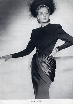 Jean Patou, Dressmakers — Images and vintage original prints Vintage Gowns, Mode Vintage, Vintage Vogue, Vintage Outfits, Vintage Glamour, Vintage Style, 1940s Fashion, Vintage Fashion, Jean Patou