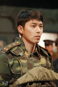 Crash Landing On You-Hyun Bin-Korean Drama-Subtitle Hot Korean Guys, Korean Men, Korean Star, Hyun Bin, Asian Actors, Korean Actors, Im Siwan, Kang Jun, Jung Hyun