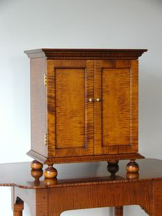 Spice Cabinet Tiger maple (reproduction)