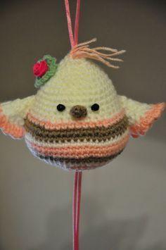 Chica outlet & DIY: Pajarito (Pattern in English) Easter Crochet, Crochet Baby, Knit Crochet, Mobiles, Spider Girl, Crochet Butterfly, Crochet Amigurumi, Cute Stuffed Animals, Crochet Animals