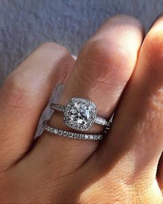 42 Top Round Engagement Rings: Best Rings Ideas %%page%% %%sep%% %%sitename%% Or Rose, Rose Gold, Round Cut Engagement Rings, Rings Cool, Beautiful Rings, Diamond Rings, Jewelery, White Gold, Wedding Rings