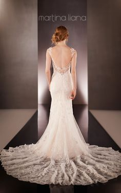 For the bride who radiates confidence, global glamour and impeccable style, the 2015 bridal collection of Martina Liana wedding dresseswould be perfect for her.Take a look and happy pinning!