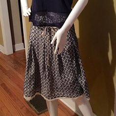 Skirt Navy and cream excellent condition Skirts