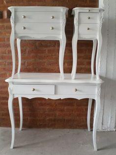 escritorio francés luis xv, con cómoda y una mesita de luz