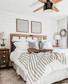 Beautifully Cozy Farmhouse Bedroom Decor Ideas That You'll Love House, Interior, Home, Bedroom Makeover, Home Bedroom, Bedroom Design, Living Room Interior, Apartment Decor, Interior Design