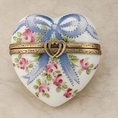 ❤️ Limoges Blue Ribbons & Roses Porcelain Heart-shaped Box, with Double Heart Clasp Decoration ....