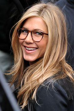 """Jennifer Aniston gilt seit dem """"Rachel"""" als absolute Frisuren-Trendsetterin. Mit ihrem Bronde beweist sie erneut Gespür."""