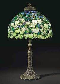 Art Nouveau Snowball Tabler Lamp by Tiffany Studios Tiffany Glass, Tiffany Stained Glass, Stained Glass Lamps, Leaded Glass, Louis Comfort Tiffany, Antique Lamps, Vintage Lamps, Vintage Lighting, Tiffany Kunst