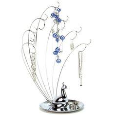 Deze stijlvolle juwelenboom mag niet ontbreken in je woning! Het is niet alleen bijzonder praktisch, het is ook een leuk decoratiestuk. De juwelenboom bestaat uit 14 haakjes. Onderaan is er nog een schaaltje waar je extra plaats hebt voor polshorloges, oorringen en andere juwelen. Deze juwelenboom is vast en zeker een perfect cadeau voor moederdag!