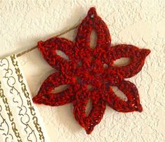 Crafty Crocheted Stars Goldberg Gifford Pod: (Sorry! I'm trying to find the pattern for this since the e-book is not currently available. I will let you know if I find it. Crochet Stars, Crochet Snowflakes, Love Crochet, Crochet Motif, Crochet Flowers, Crochet Patterns, Crochet Christmas Decorations, Crochet Ornaments, Holiday Crochet