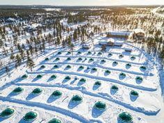 Kakslauttasella on useita iglukylliä. #kakslauttanen #lapland #finland #lappi #lasi-iglu #winter #talvi City Photo