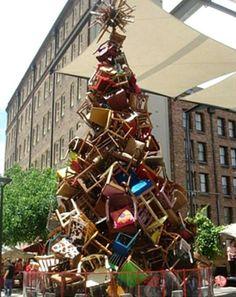 Árbol de Navidad de sillas #Manualidades #Reciclaje #Navidad
