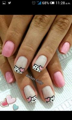 Blue is an elegant and always fashionable color: manicure enthusiasts cannot leave it aside for the next season! What are the most beautiful blue nail art? Love Nails, Fun Nails, Pretty Nails, Nail Factory, Valentine Nail Art, Heart Nails, French Tip Nails, Fabulous Nails, Holiday Nails