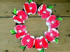 Craftberry Bush: Apple print wreath....