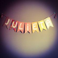 Encarga hoy tus banderines de papel personalizados! Happy Brithday, Handicraft, Projects To Try, Baby Shower, Neon Signs, Halloween, Paper, Birthday, Diy
