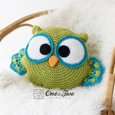 Introducing Ollie the Owl! Whooo can think of a cozier way to drift off to sleep than with this sweet Owl Pillow? This pattern is also part of 'Happy Crochet Book' by One and Two Company:...