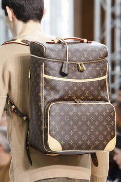 Louis Vuitton Automne 2015 I want it! Louis Vuitton Handbags, Louis Vuitton Monogram, Lv Handbags, Handbags Online, Purple Handbags, Vuitton Bag, Designer Handbags, Fashion Bags, Mens Fashion