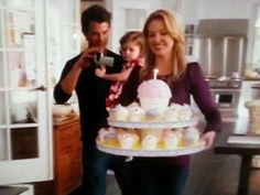 """Best birthday cake ever ! Giant cupcakes ! (Katherine Heigl & Josh Duhamel in """"Life as we know it"""")"""