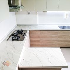 Metallic Epoxy Singapore specialises in metallic epoxy coatings and installations, offering customisable solutions for floors and countertops in Singapore. Epoxy Countertop, Countertops, White Highlights, Epoxy Coating, Gold Marble, Chrome, Metallic, Design Ideas, Flooring