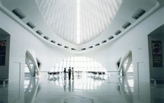 Milwaukee Art Center, Santiago Calatrava, Architect  #SantiagoCalatravaArchitecture Pinned by www.modlar.com