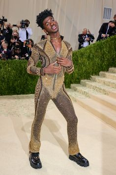 """The 2021 #MetGala is finally here! Fashion's biggest night is back, and this year the theme is """"In America: A Lexicon of Fashion."""" Tap the link to see every single #celebrity #redcarpet arrival. Jennifer Hudson, Kate Hudson, Beats By Dre, Donatella Versace, Keke Palmer, Anna Wintour, Maisie Williams, Thom Browne, Red Carpet Fashion"""