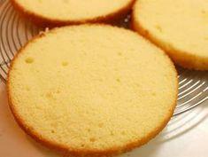 Basic Moist Sponge Cake Recipe by cookpad.japan – Cookpad Basic Moist Sponge Cake Recipe by cookpad. Sponge Cake Easy, Sponge Cake Recipes, Easy Cake Recipes, Great Recipes, Sponge Cake Recipe Best, Dessert Recipes, Italian Sponge Cake, Lemon Sponge, Basic Cake