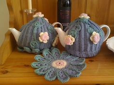 Ravelry: Lazy Daisy Tea Cosy pattern by Inside Crochet