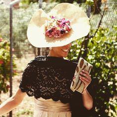 Buenosss dias!!! Preparando bodas!!!! Love! #delarivacomplementos #hechoamano #hechoenespaña #complementosdemoda #ss15 #invitadaperfecta #invitadas10 #invitadadelariva #wedding #weddingplanner