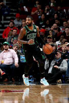 Basketball Skills, Basketball Art, Basketball Pictures, Basketball Players, Irving Wallpapers, Nba Wallpapers, Celtics Basketball, Custom Basketball, Kyrie Irving Celtics