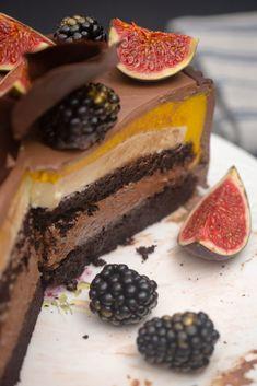 Despre eșecuri și un Tort cu trei feluri de mousse - Ciocolată Şi Vanilie Something Sweet, Bacon, Cheesecake, Cooking Recipes, Sweets, Homemade, Desserts, Food, Tailgate Desserts