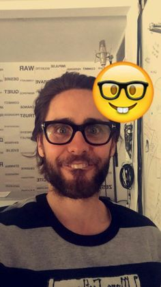Jared Leto Is the New and Improved Nerd-Face Emoji Most Beautiful Man, Gorgeous Men, Beautiful People, Jared Leto Snapchat, Thirty Seconds To Mars, 30 Seconds, Jaret Leto, Life On Mars, Shannon Leto