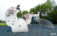 Organic, swirling Rock-Climbing Playground | 10 Cool Playgrounds - Tinyme Blog