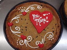 Valentine Desserts, Valentines Day Desserts, Valentine Cake, Iced Cookies, Yummy Cookies, Cake Cookies, Giant Cookies, Cookie Cake Designs, Cookie Cake Decorations