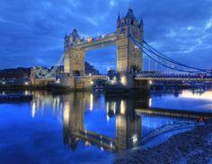 タワー・ブリッジ /英 ロンドン