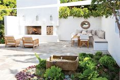 molly wood garden design / modern organic residence, laguna beach outdoor patio barefootstyling.com