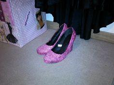 Modge Podge, pink glitter and black (plain) high heel shoes = these ;)  aka Barbie shoes
