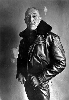 Fetish Man - Touko Laaksonen, best known by his pseudonym Tom of Finland May 1920 – 7 November was a Finnish artist notable for his stylized androerotic and fetish art and his influence on late twentieth century gay culture. Vintage Leather Jacket, Leather Men, Leather Jackets, Tom Of Finland Art, Everybody's Darling, New York, I Icon, Black And White Portraits, Expo